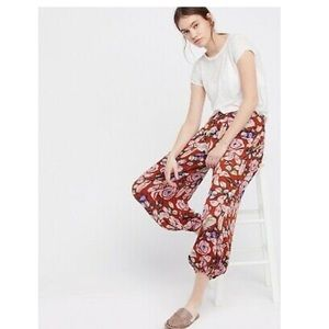 FREE PEOPLE HIGH WAISTED FLORAL BALLOON PANTS LRG